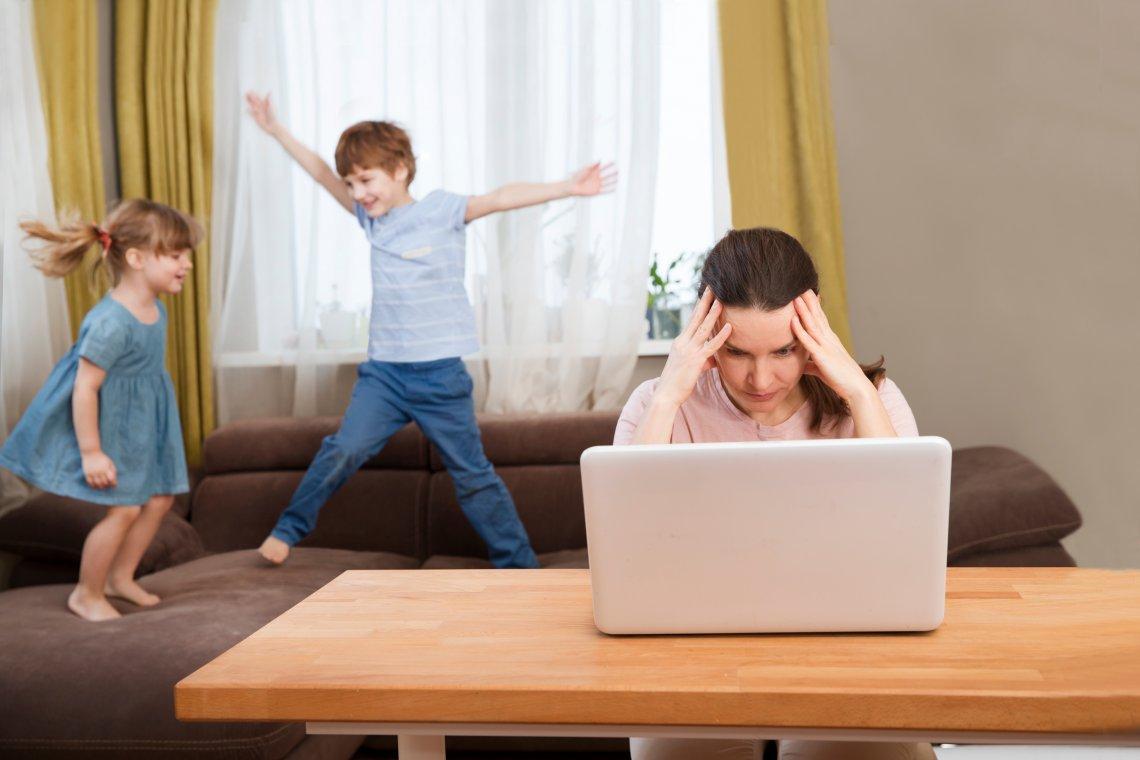 pracujuce matky zazivaju pocas lockdownu uzkost